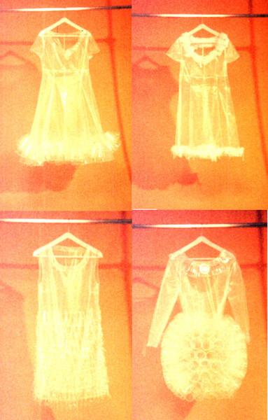 abiti di plastica